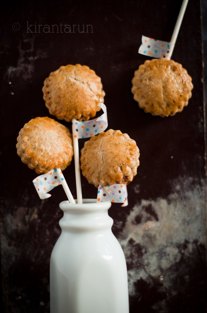 Coconut Butter & Nutella Pie Pops | KiranTarun.com
